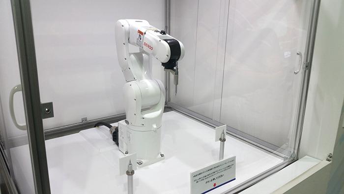 垂直多関節ロボット(株式会社デンソーウェーブ)