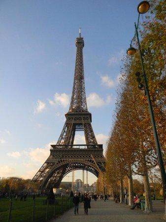 Otoño en París - パリ、エッフェル塔の写真 – トリップアドバイザー